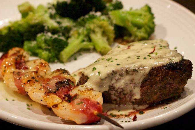 carrabbas-tuscan-grilled-sirloin-and-shrimp