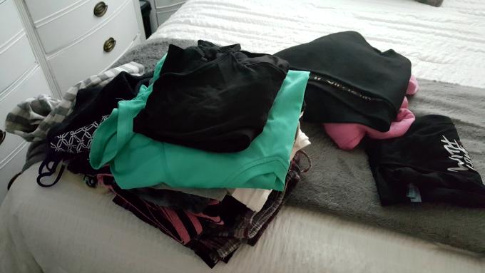 bedroom-dresser-purge