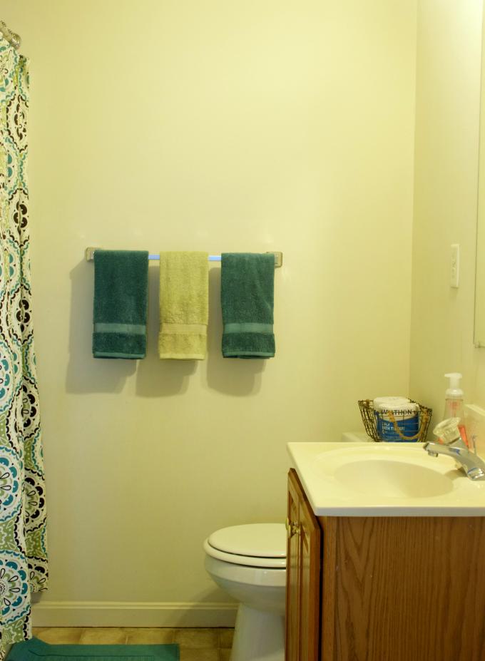 bathroom-before-