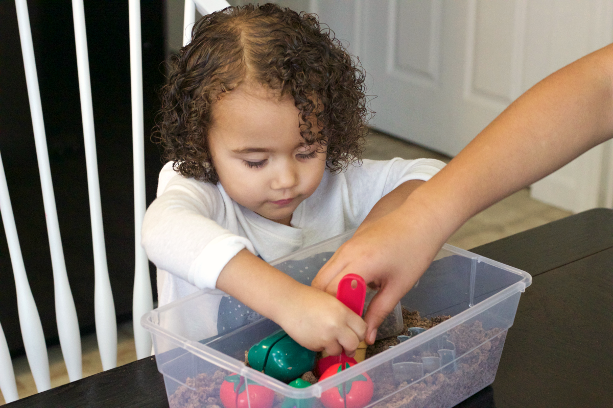 garden-sensory-bin-play-time-3
