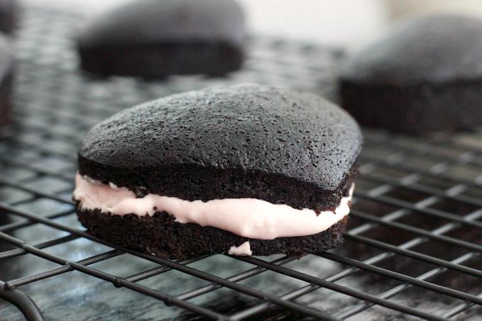 dark-chocolate-mini-cake