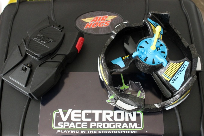 Air Hogs Vectron Wave. The Air Hogs Vectron Wave is a fun and interactive toy that doesn't require a remote control to play with!
