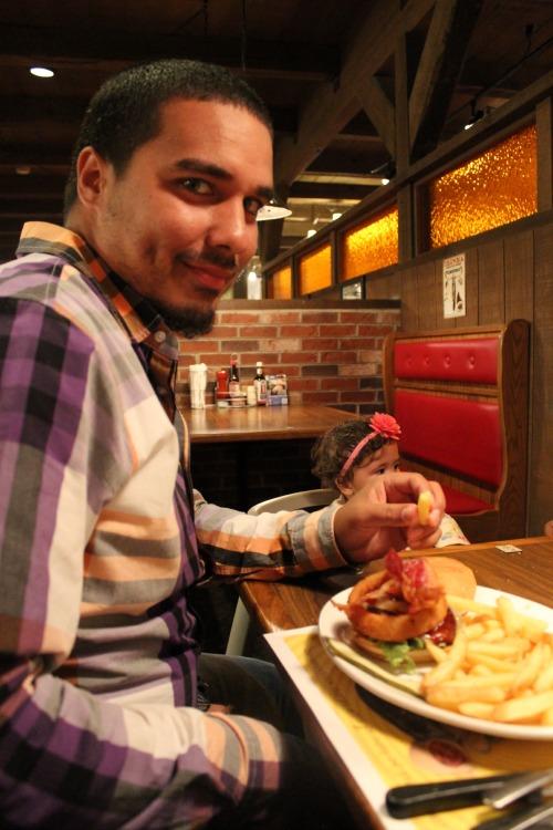 Hoss-Steak-House-3