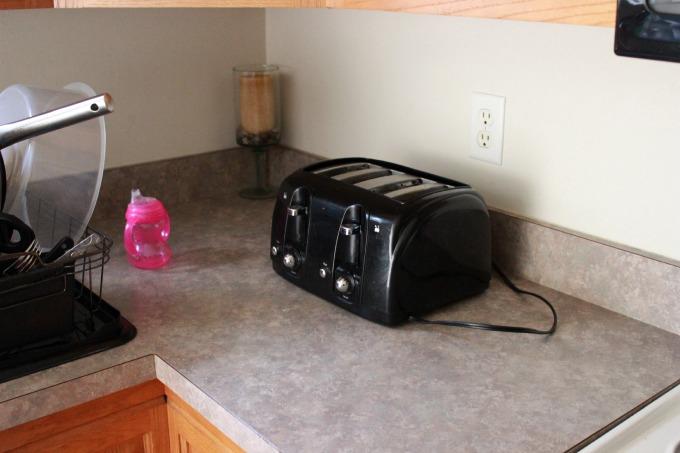 kitchen-clutter-2