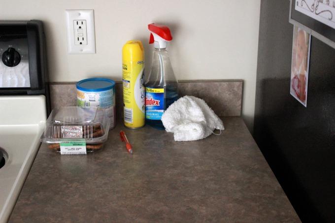 kitchen-clutter-3