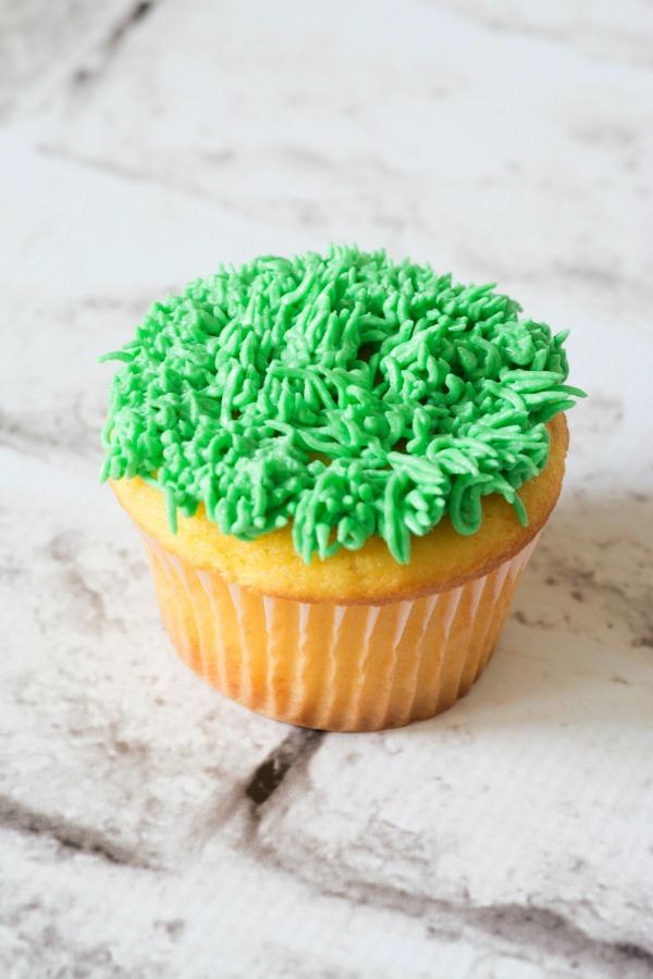 easter-eggs-cupcake-3