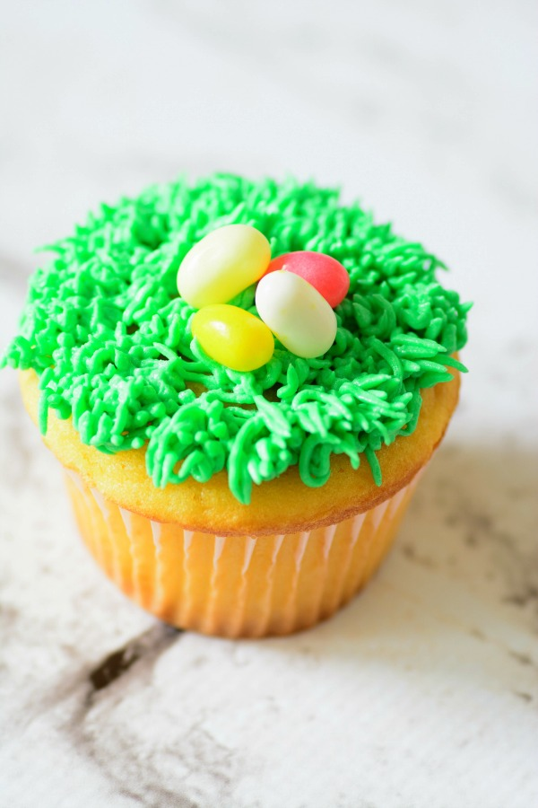 easter-eggs-cupcakes-4