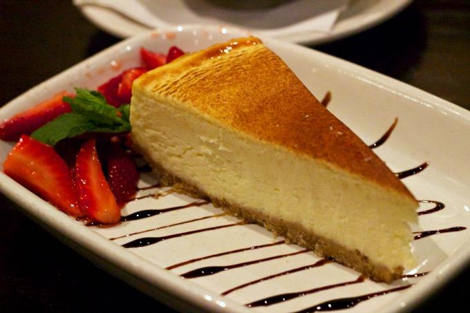 carrabbas-brulee-ricotta-cheesecake