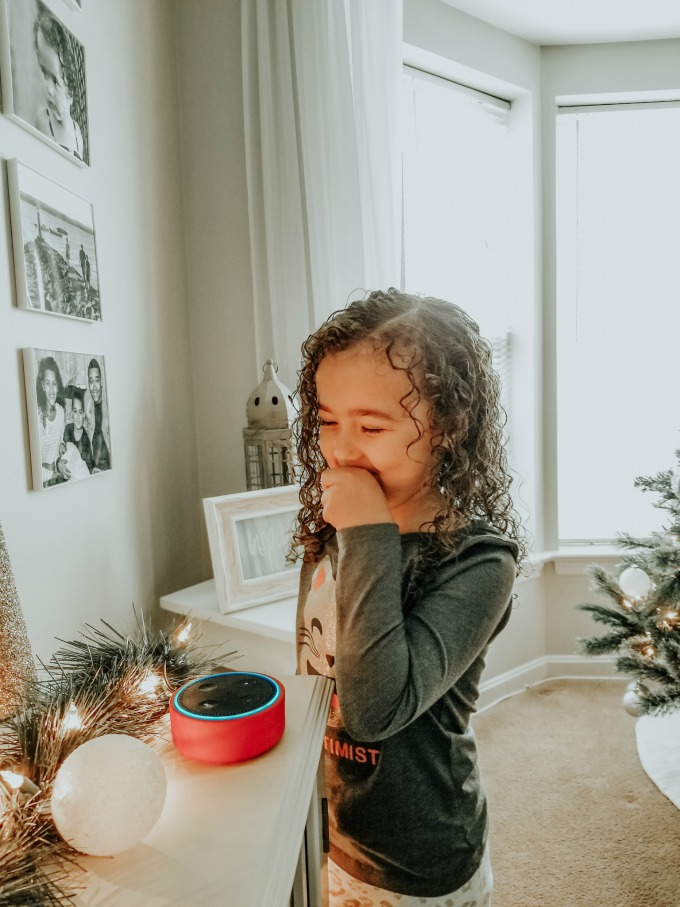 Simple Ways to Create Memories During the Holidays – Simple activities that will help you connect with your family during the holidays!