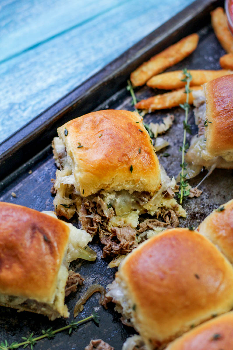 Philly Cheesesteak Sliders Recipe – These tasty melt-in-your-mouth cheesesteak sliders make the perfect appetizer for game days or your next gathering!